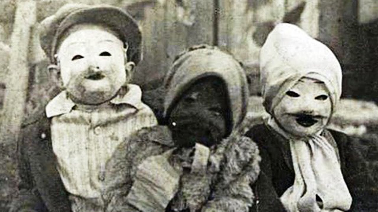 creepy-halloween-costumes-from-the-past-03