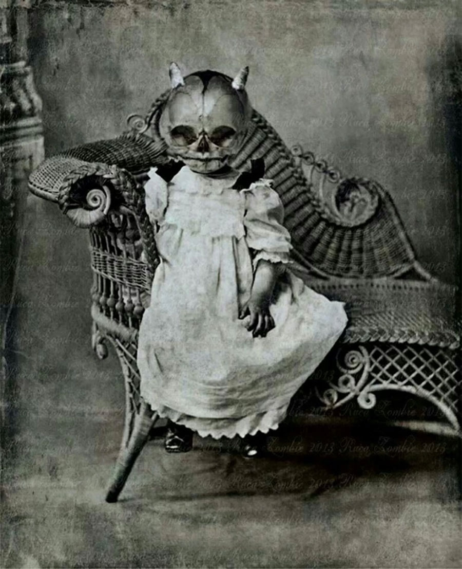 creepy-halloween-costumes-from-the-past-05