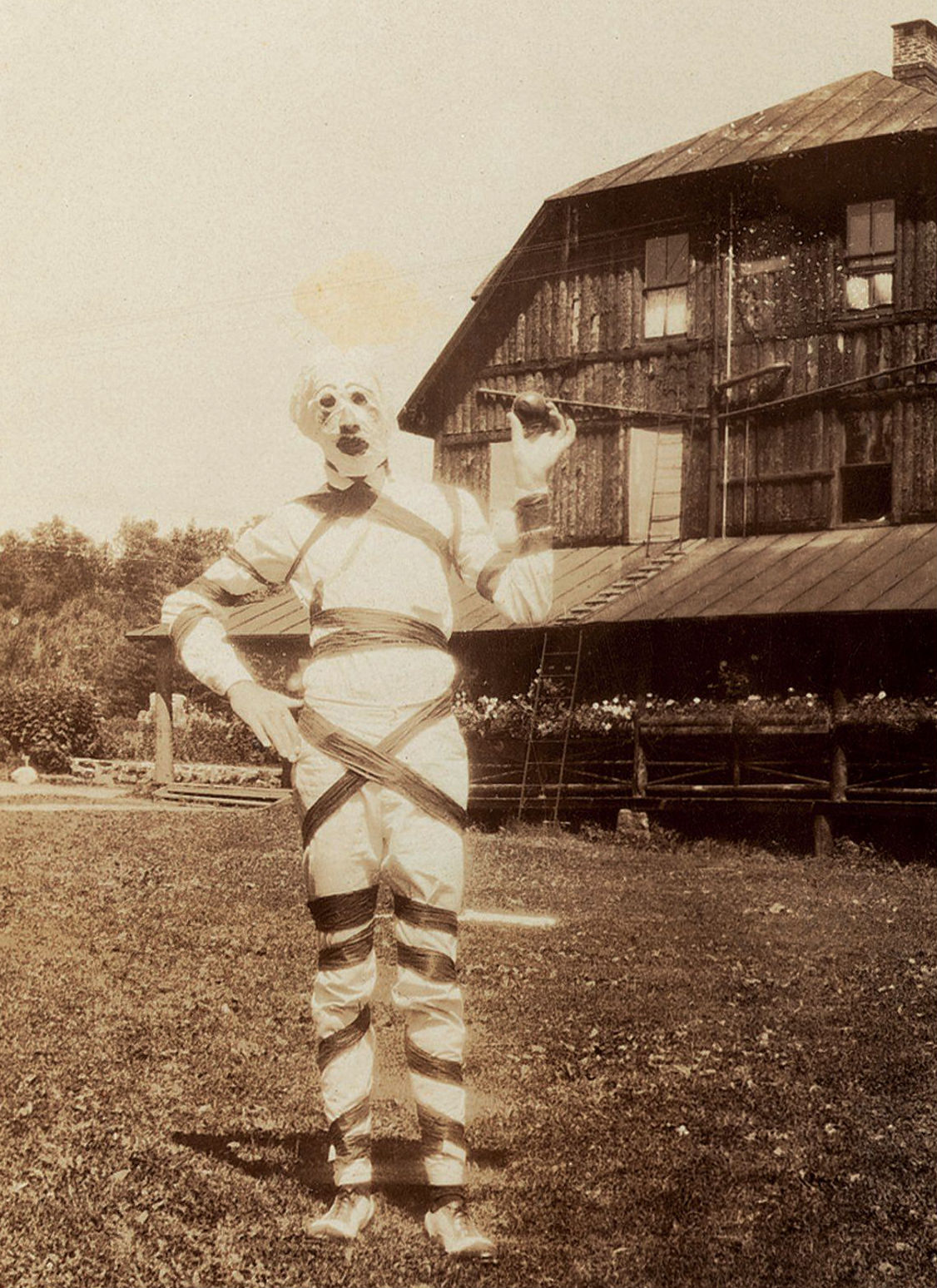 creepy-halloween-costumes-from-the-past-06