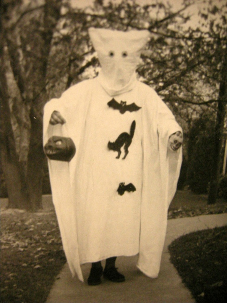 creepy-halloween-costumes-from-the-past-07