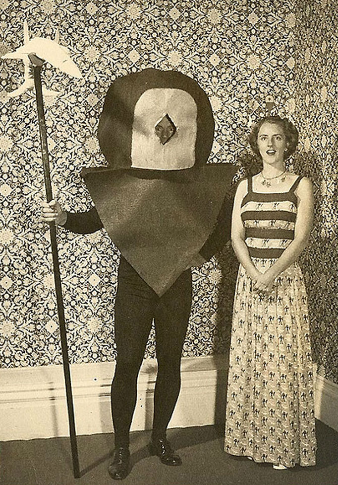 creepy-halloween-costumes-from-the-past-18