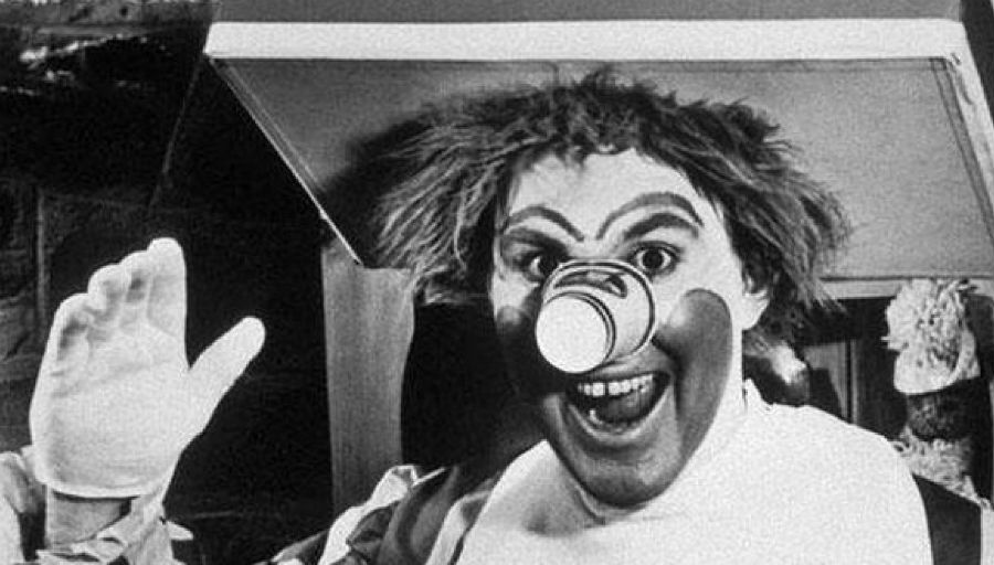 top-10-creepy-clowns-in-movies-and-tv-08
