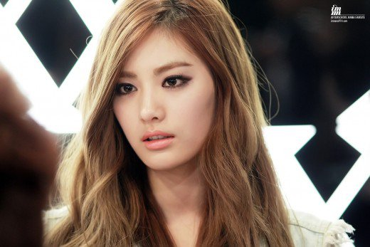 10-most-gorgeous-k-pop-idols-10-Nana-2