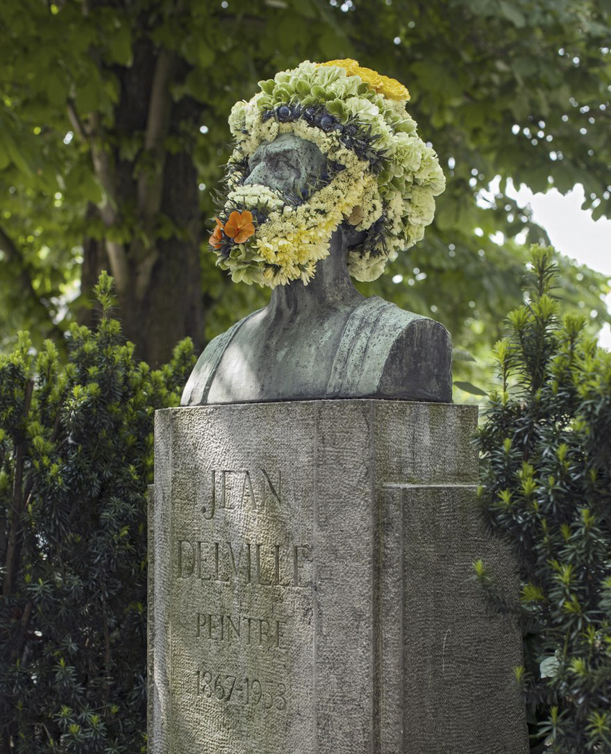 geoffroy-mottart-statues-flower-crowns-beards-07