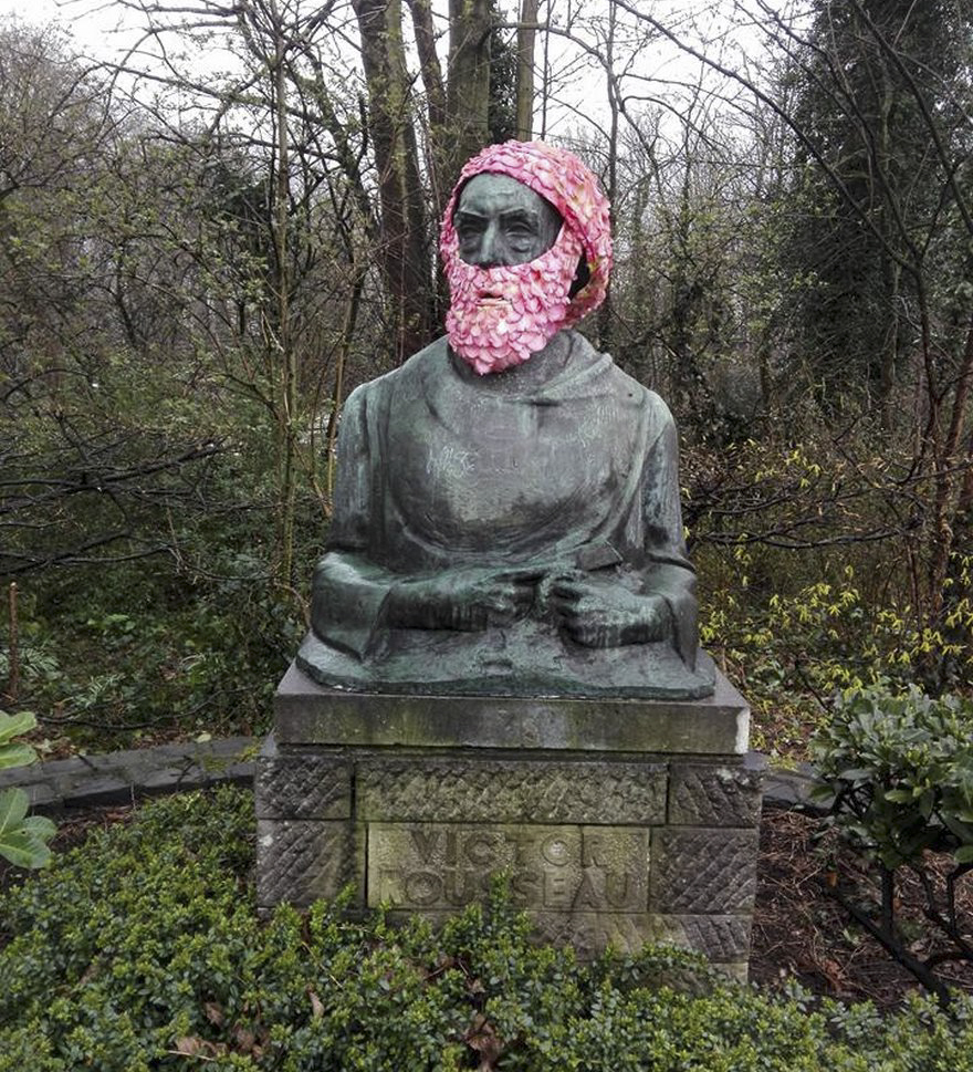 geoffroy-mottart-statues-flower-crowns-beards-10