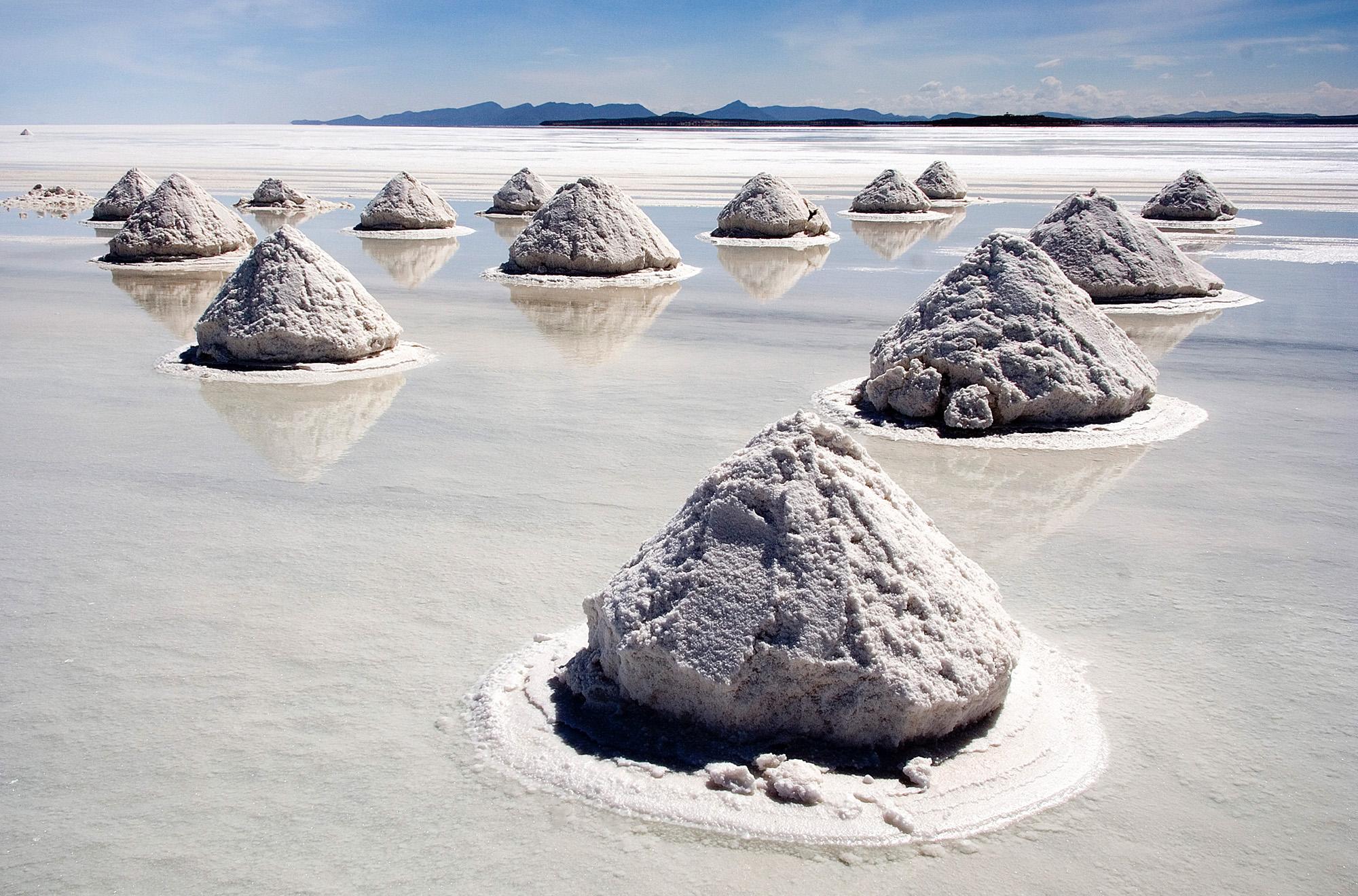 8-Salar de Uyuni salt flat in Bolivia