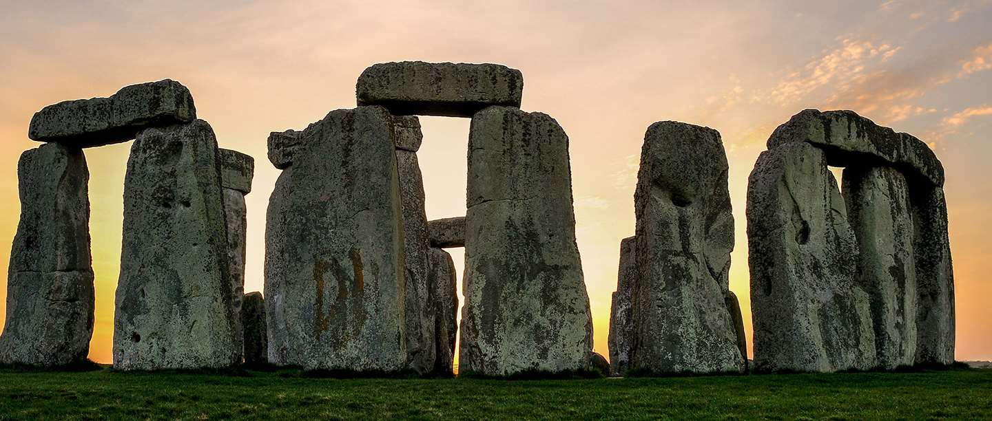 ancient-architectural-masterpieces-13-stonehenge
