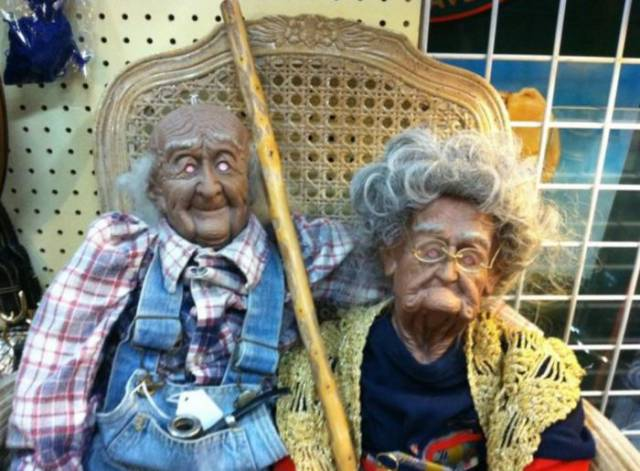 weird-thrift-store-items-12