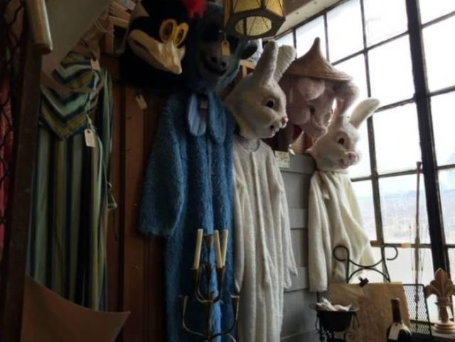 weird-thrift-store-items-22