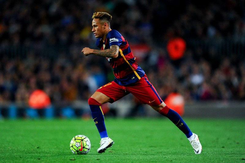 Neymar Jr. (Barcelona) - US $ 371.400 | Os 10 jogadores de futebol mais bem pagos do mundo | Brain Berries
