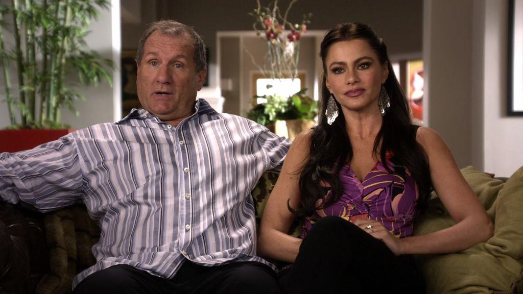 Jay și Gloria,Modern Family | 11 Personaje TV care au avut întâlniri cu oameni care nu erau la același nivel cu ei | Brain Berries