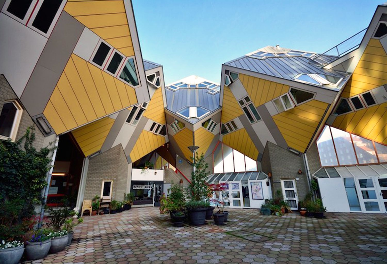 10 Impossibly Awesome Houses From All Around the World | Brain Berries