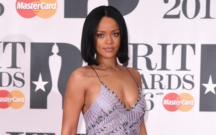 Rihanna S Official Top 40 Biggest Selling Singles