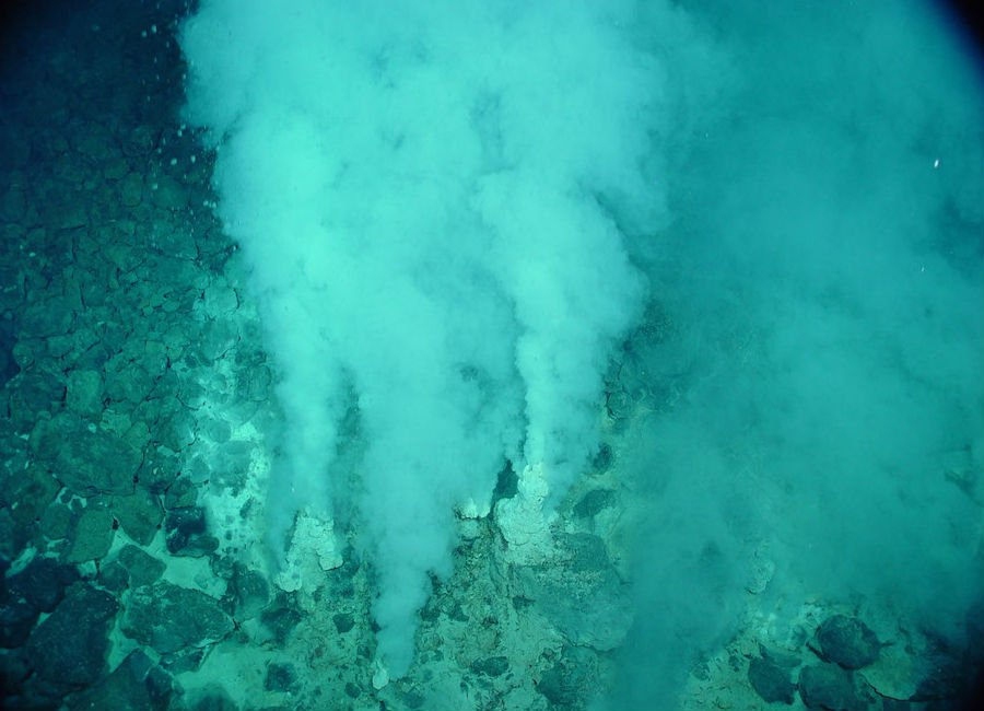 Deepest Underwater Biome   9 Mysterious Underwater Objects Very Few People Know About   Brain berries