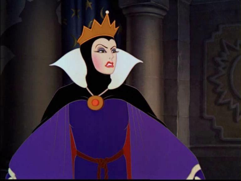 Evil Queen, Snow White and the Seven Dwarfs | Greatest Disney Female Villains | Brain Berries