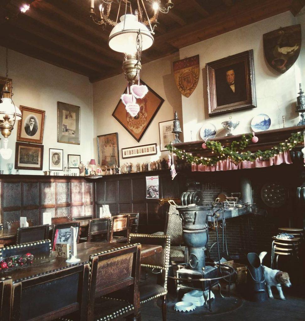 Old Bars Herberg Vlissinghe, Bruges, Belgium | Zestradar