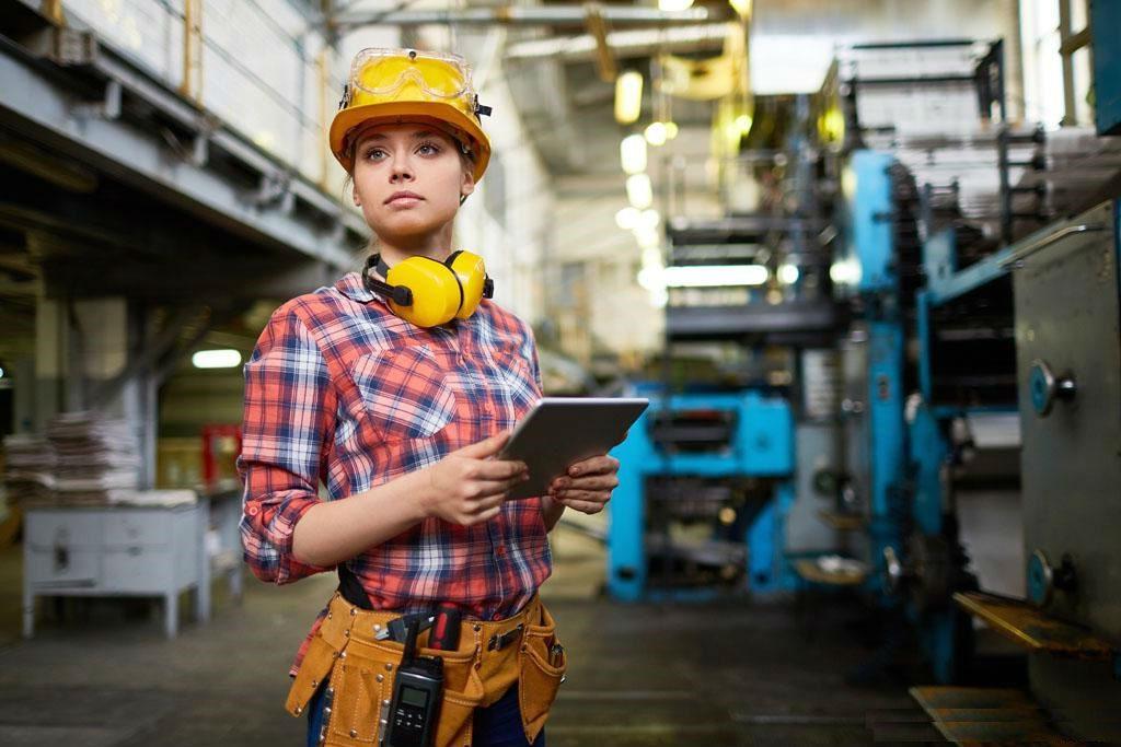 Woman Engineer | Brain Berries