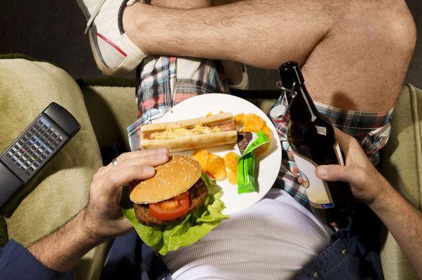 Aumento De Riesgo De Obesidad | Lo Que Jugar Por Períodos Prolongados Le Hace A Tu Cuerpo | Brain Berries