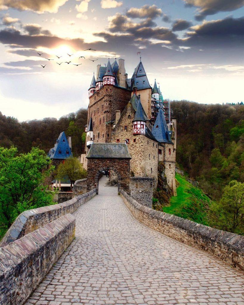 замок Эльц, Германия | 10 красивейших мест в Европе, о которых почти ничего не знают туристы | Brain Berries