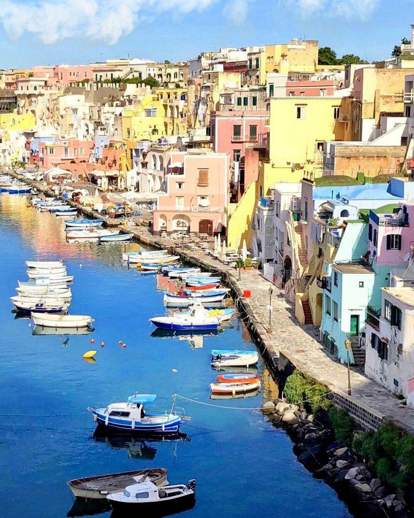 Прочида, Италия | 10 красивейших мест в Европе, о которых почти ничего не знают туристы | Brain Berries