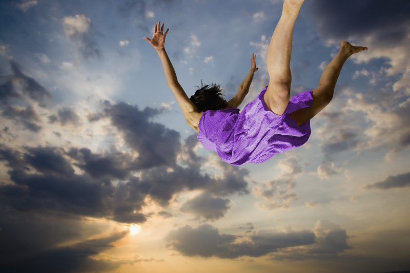 Falling | 9 Most Common Dreams And What They Actually Mean | ZestRadar