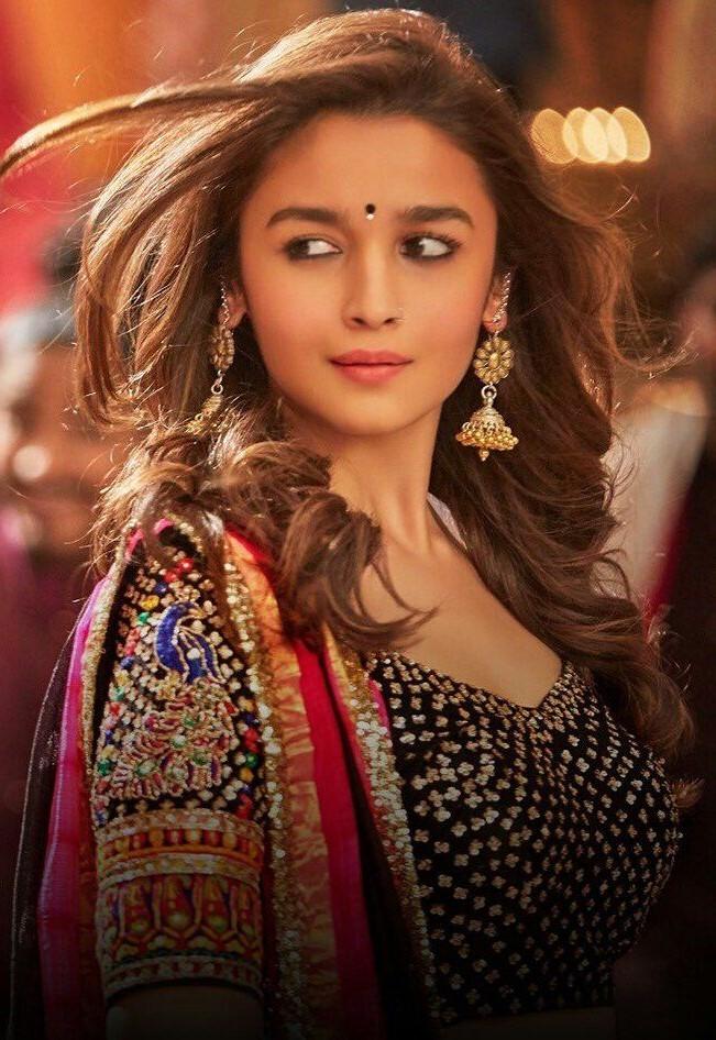 Alia Bhatt Bollywood | Top 10 Highest Paid Bollywood Actresses