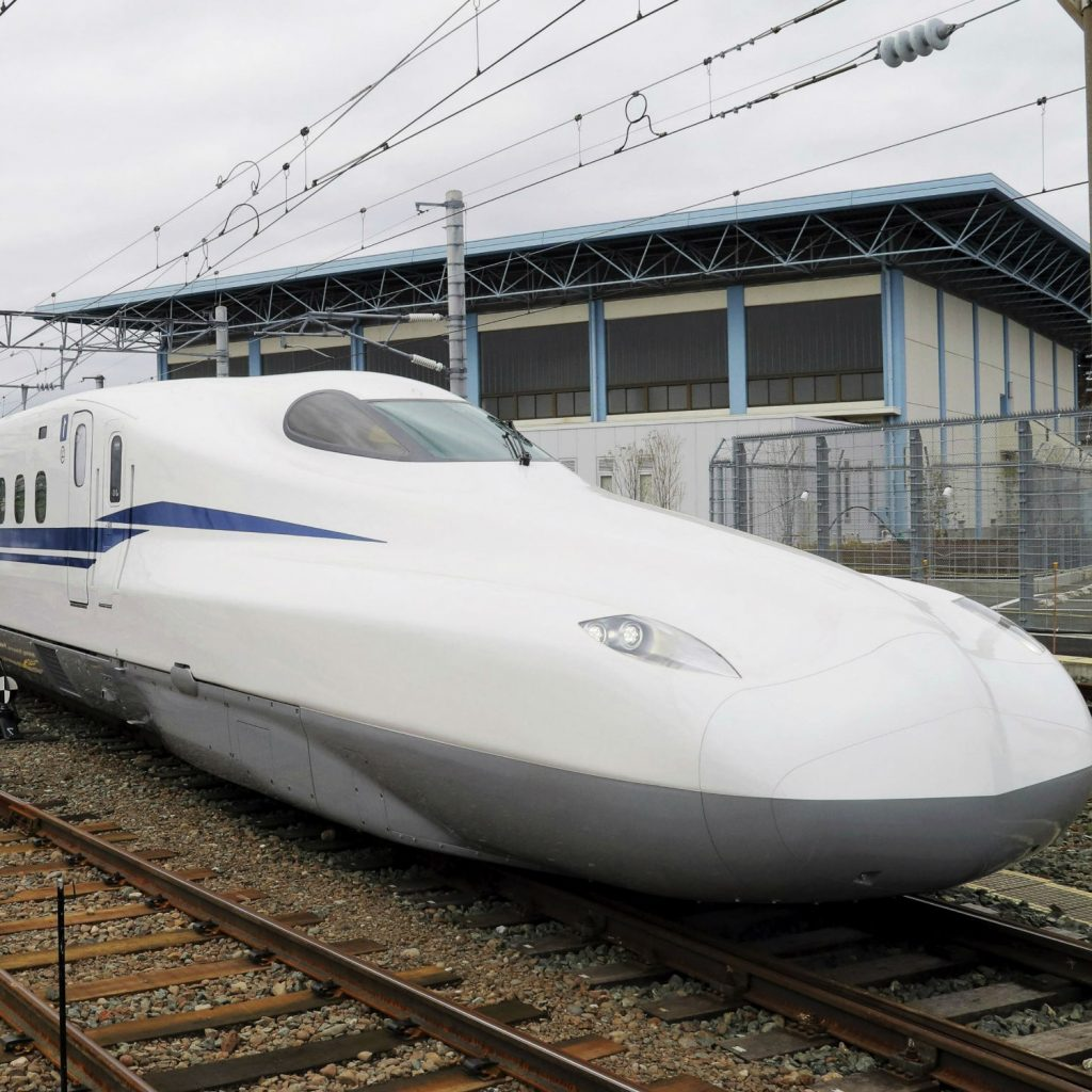 The Bullet Train | 8 Insane Everyday Japanese Tech That make You Wish You Lived In Japan | Brain Berries