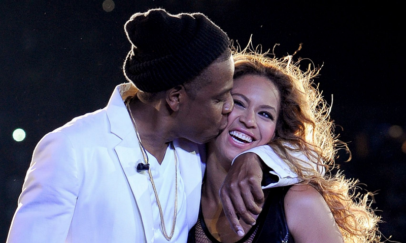 Jay-Z and Beyonce | 10 Most Romantic Gestures Ever Done By Celebrities | Brain Berries