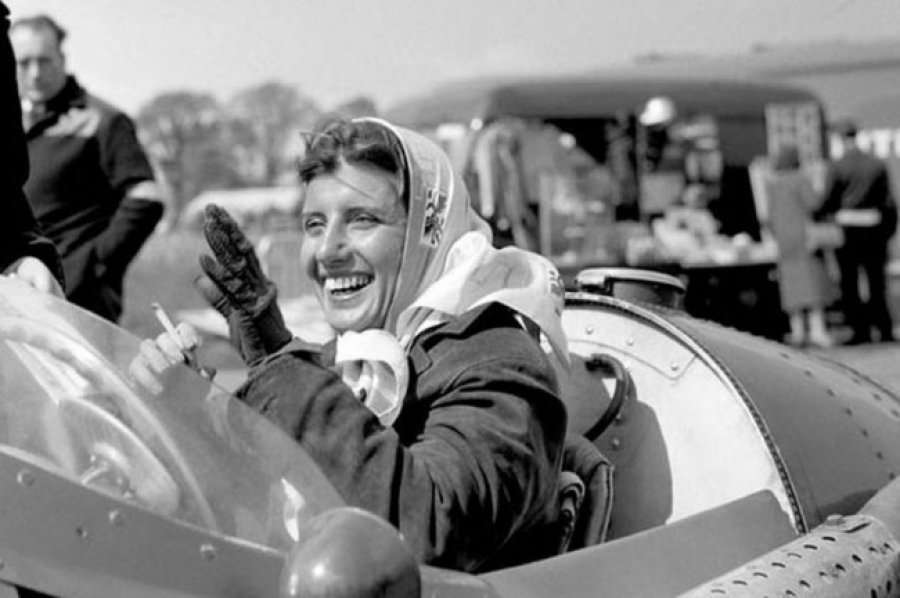 Maria Teresa de Filippis | Top 10 Most Famous Female Racers of All Time | Brain Berries