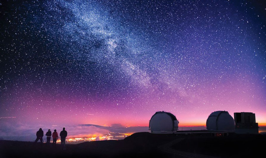 Mauna Kea | Contemplate Life at These 10 Stargazing Locations | Brain Berries
