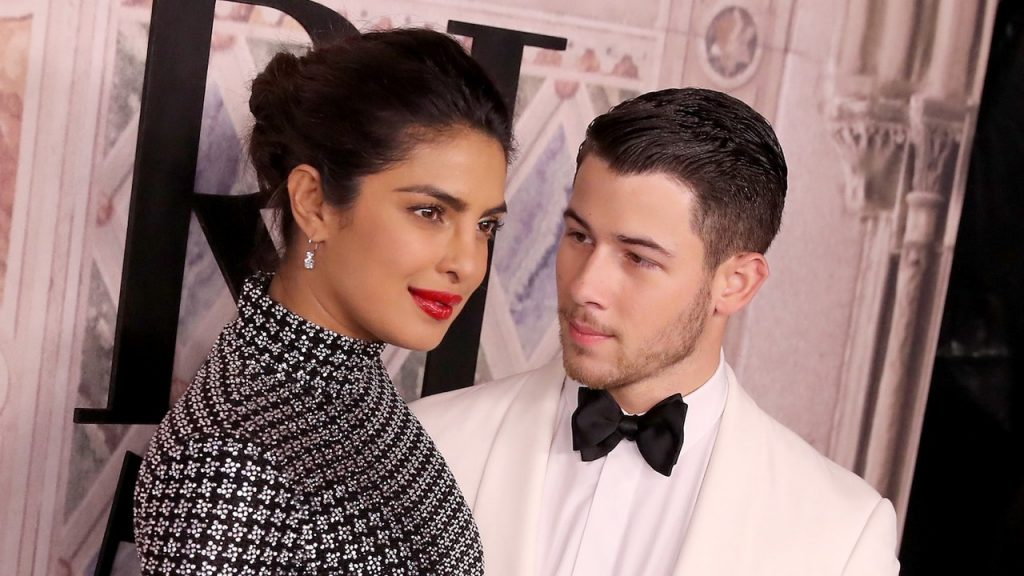 Nick Jonas and Tiffany ring for Priyanka Chopra | 10 Most Romantic Gestures Ever Done By Celebrities | Brain Berries