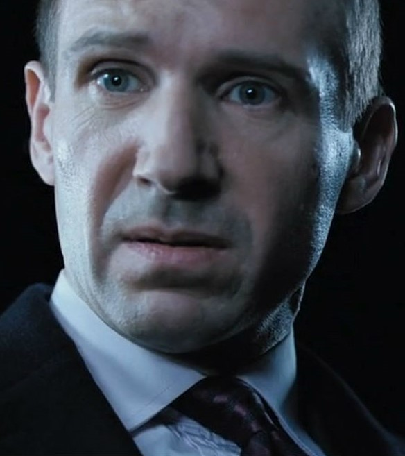 In Bruges Ralph-Fiennes | 12 Actors Who Always Play Villains | Brain Berries