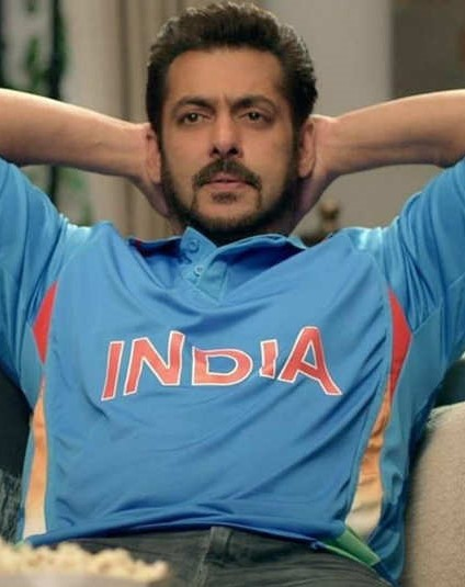 Salman Khan | 9 Bollywood Stars Who Hate Each Other In Real Life | Brain Berries