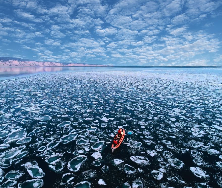 Photographer Visits Baikal, The Oldest Lake On Earth, And It's Absolutely Mind-Blowing #2 | ZestRadar