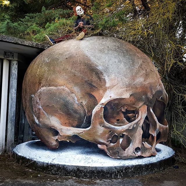 3D skull | 10 Hyper-Realistic 3D Street Art By Odeith | Brain Berries