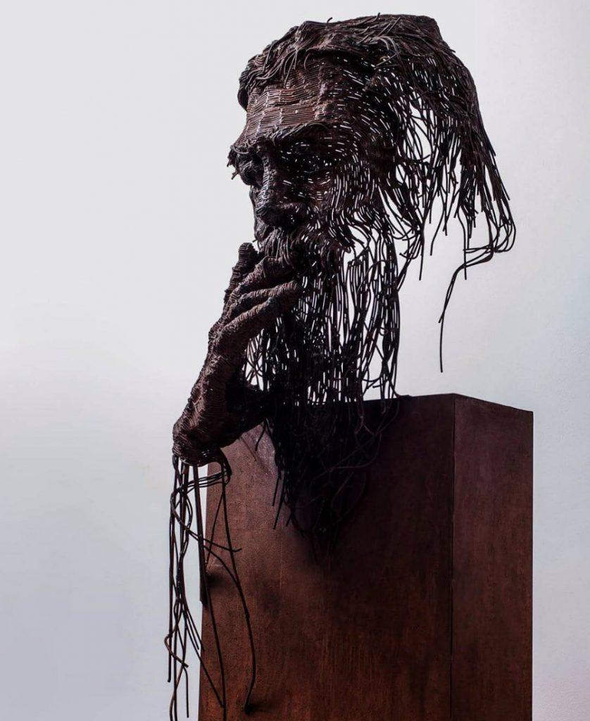 Romanian Artist Is Welding Metal Wires Into The Faces Of Historical Figures #8 | ZestRadar