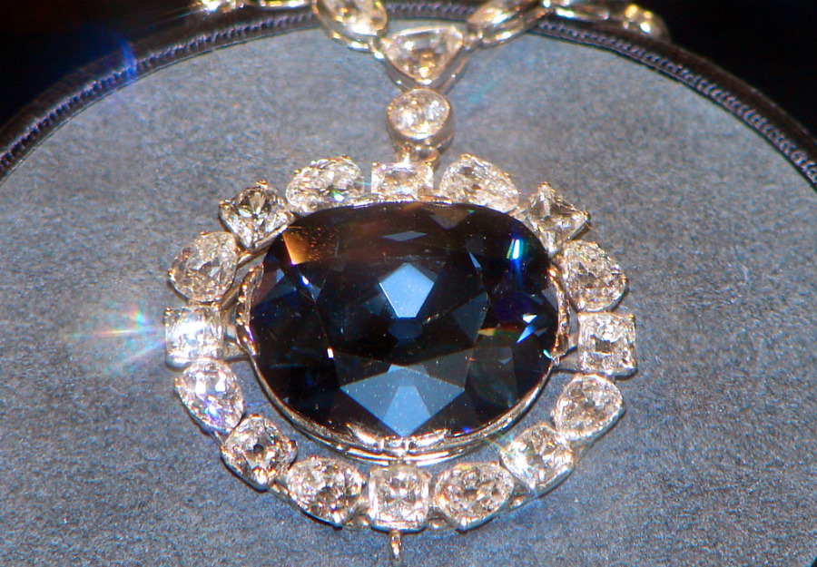 Blue diamonds | These Colored Diamonds Are The Most Expensive In The World | ZestRadar