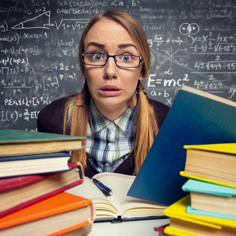 Учитель средней школы | Топ-10: самые востребованные и невостребованные профессии в России | Brain Berries