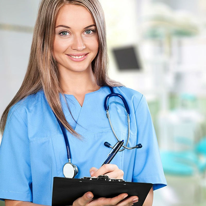 Медсестра | Топ-10: самые востребованные и невостребованные профессии в России | Brain Berries