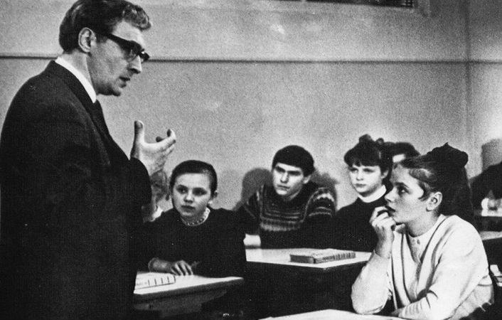 Доживем до понедельника | Топ-10 советских фильмов, которые должен посмотреть каждый  | ZestRadar
