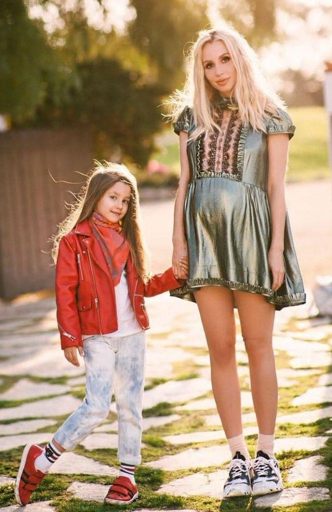Лобода со старшей  дочерью   Трансформация Светланы Лободы: от школьной парты и до суперзвезды   Brain Berries