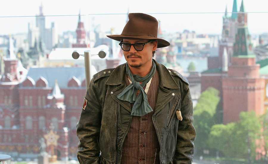 Джонни Депп    12 голливудских знаменитостей, которые влюблены в Россию   ZestRadar