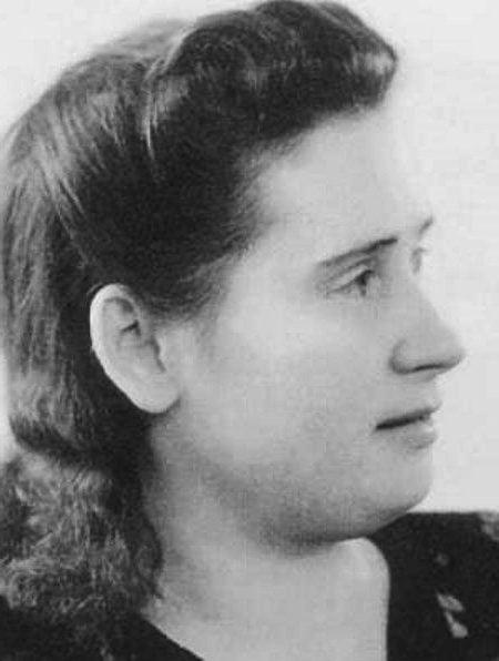 Мария Ивановна Шеломова | Знаменитые мужчины, как две капли воды, похожие на своих матерей | Brain Berries