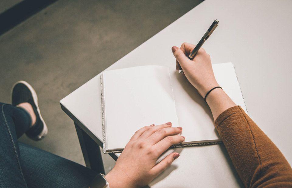 लक्ष्य निर्धारण के कार्यों की सूची बनाएँ   स्वयं को निरंतर प्रोत्साहित करने के 8 मार्ग   Brain Berries