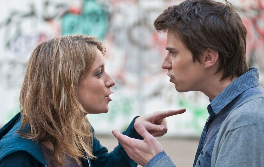 Манипулирование | 9 признаков токсичных отношений | ZestRadar