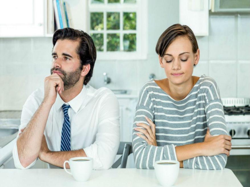 Женщина-учительница  | 9 типов женщин, на которых мужчины категорически не хотят жениться | ZestRadar