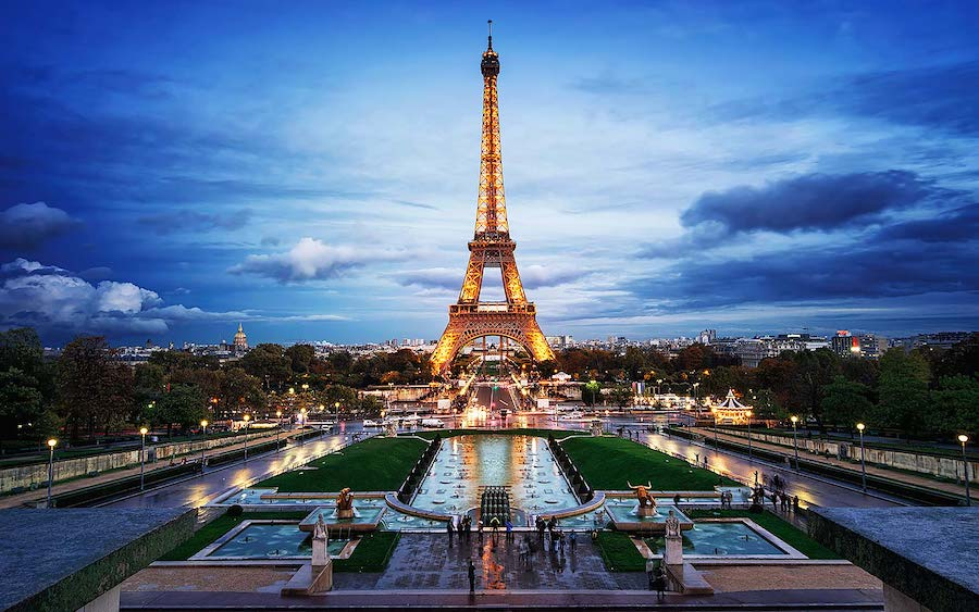 Eiffel Tower, Paris | 12 Most Iconic Photography Locations | Brain Berries