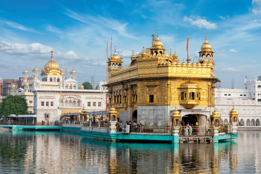 Harmandir Sahib  | 10 Most Expensive Religious Buildings Ever Constructed | ZestRadar