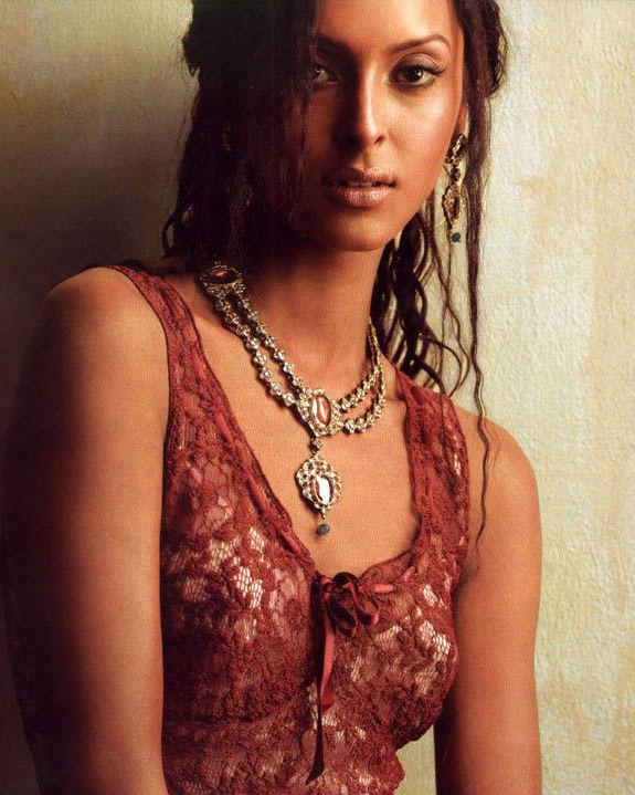 Monikangana Dutta | These Iconic Indian Fashion Models Have Conquered The World | ZestRdar
