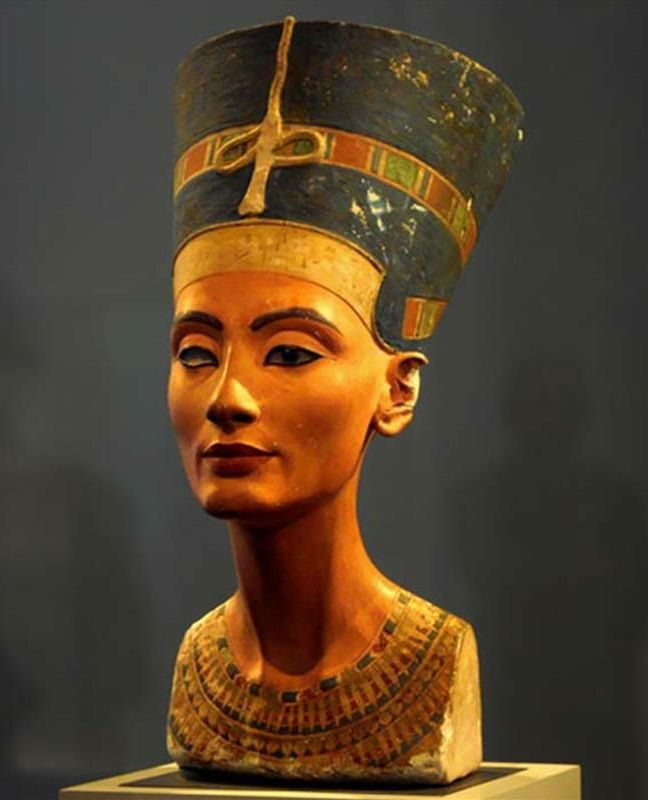 Nefertiti | 7 Of The Most Famous Queens In History | Brain Berries